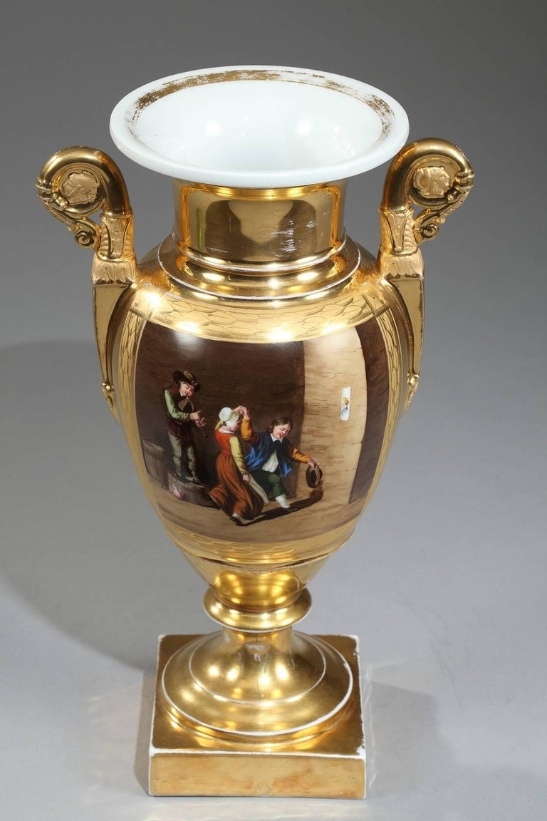 Early 19th Century Empire Porcelain Vases with Cabaret Scenes In Good Condition For Sale In Paris, FR