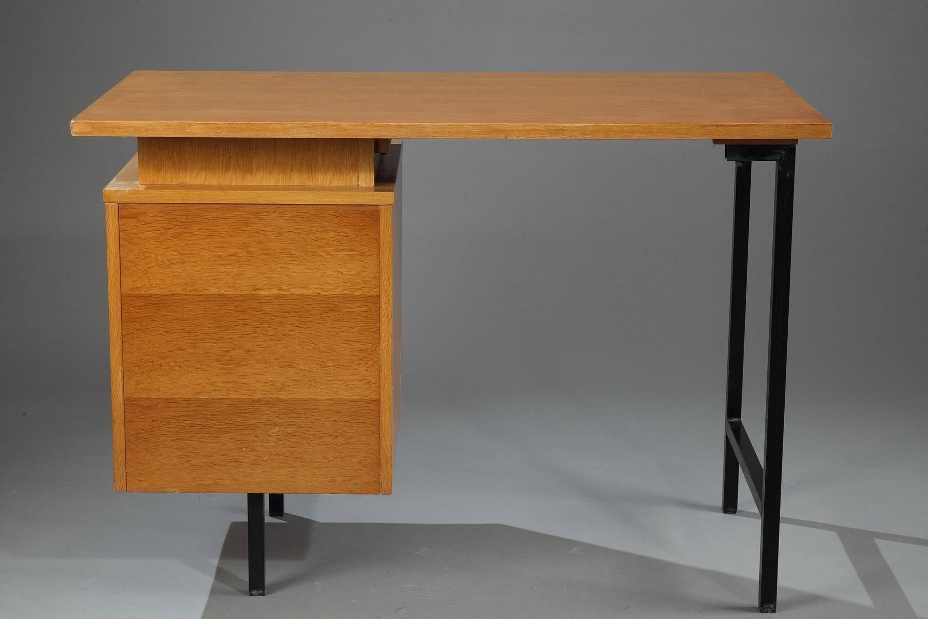 Cm 172 Desk By Pierre Paulin At 1stdibs
