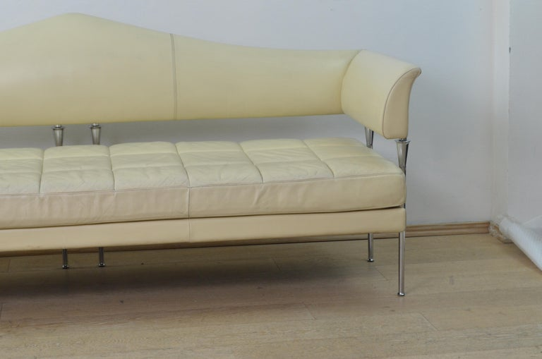 Post-Modern Cream Color Leather and Chromed Steel Sofa Hydra Model, for Poltrona Frau, 1990s For Sale