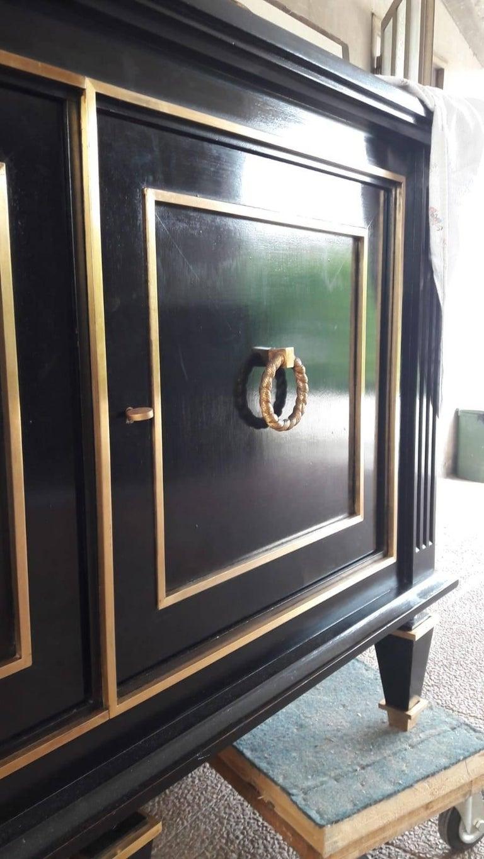 Italian Art Deco Black Wood and Golden Bronze Three Doors Credenza, 1940s For Sale 4