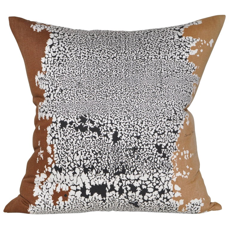 Custom-made large pair of luxury pillows (cushions) created from a rare vintage fabric by midcentury artist Edmund Bacci in an attractive abstract pattern, backed in new pure Irish linen, filled with new duck and down feather insert and a concealed