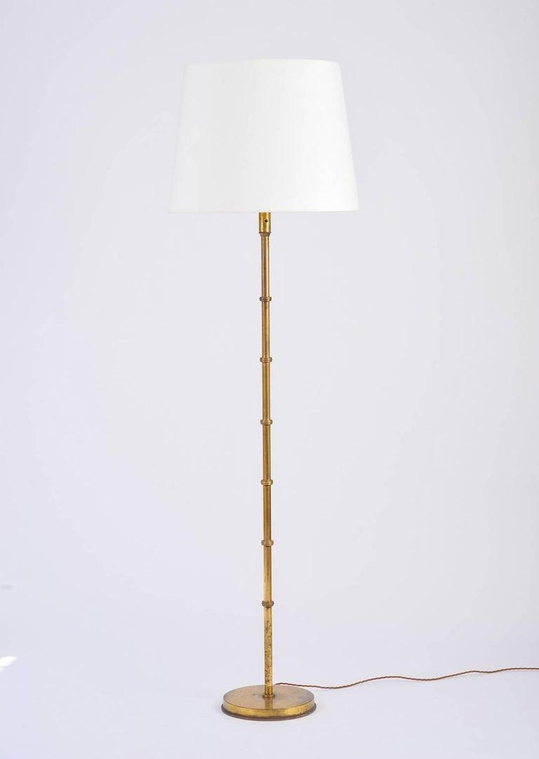 French 1950s brass floor lamp at 1stdibs for White french floor lamp