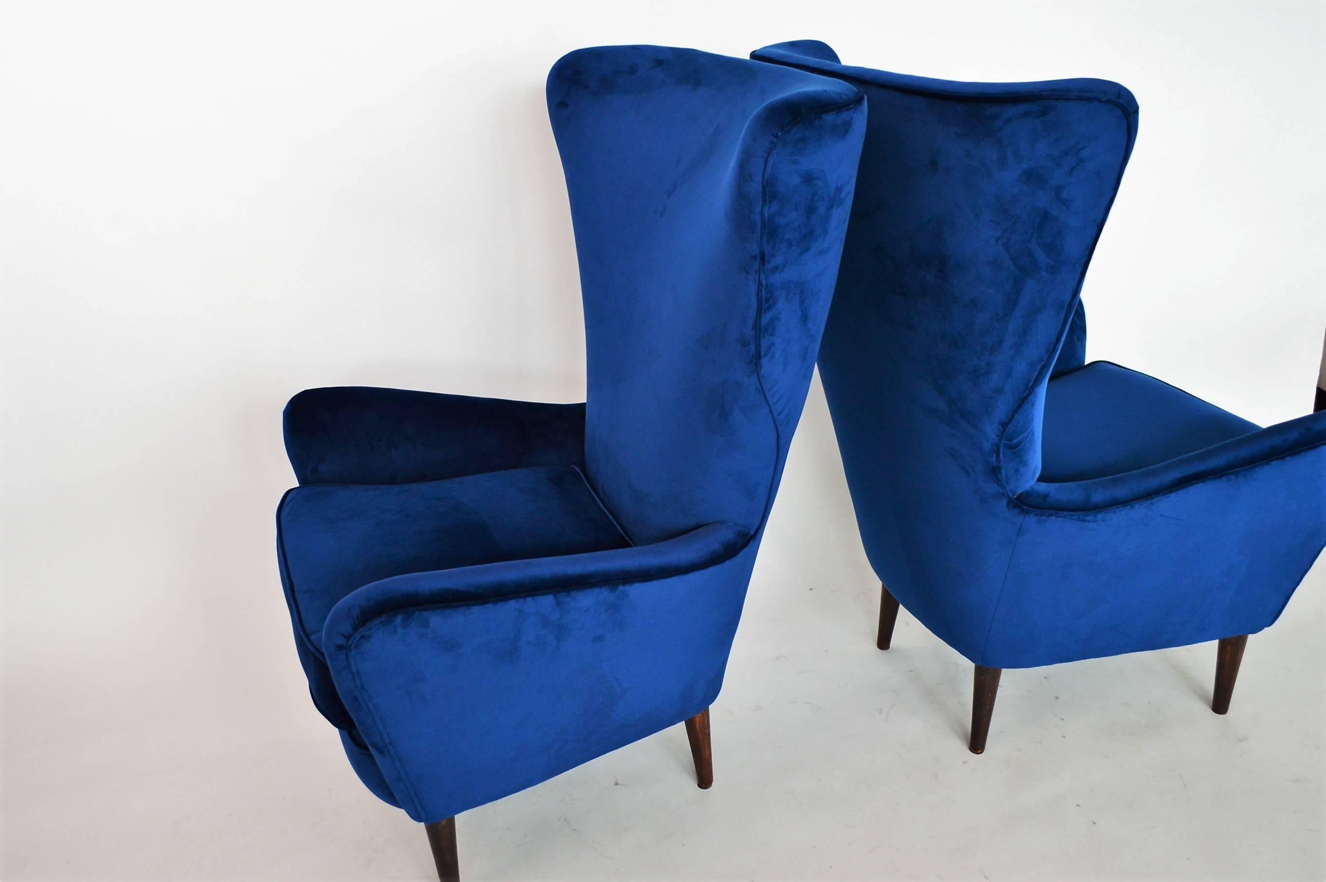Italian Lounge Chairs Restored With Royal Blue Velvet, 1950s For Sale 1