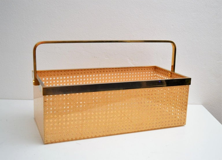 Hollywood Regency Italian Regency Lucite with Rattan and Gold-Plated Magazine Rack, 1970s For Sale