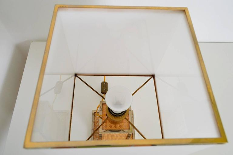 Italian Regency Brass, Lucite and Cane Table Lamp with Acrylic Lampshade, 1960s In Excellent Condition In Clivio, Varese