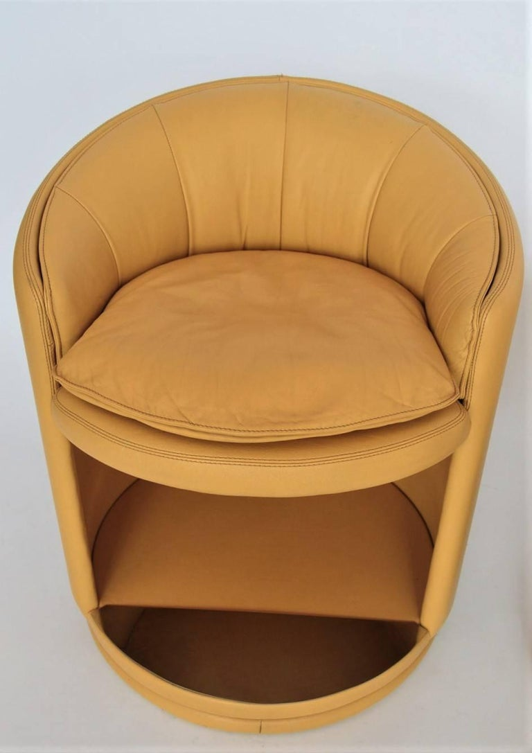 Leather swivel club chairs italy 1980s for sale at 1stdibs for Swivel club chair leather