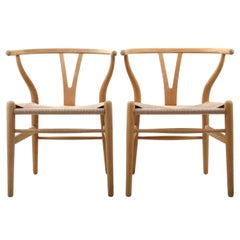 CH24, Wishbone Chairs 'Pair' by Hans J Wegner for Carl Hansen & Son in 1949