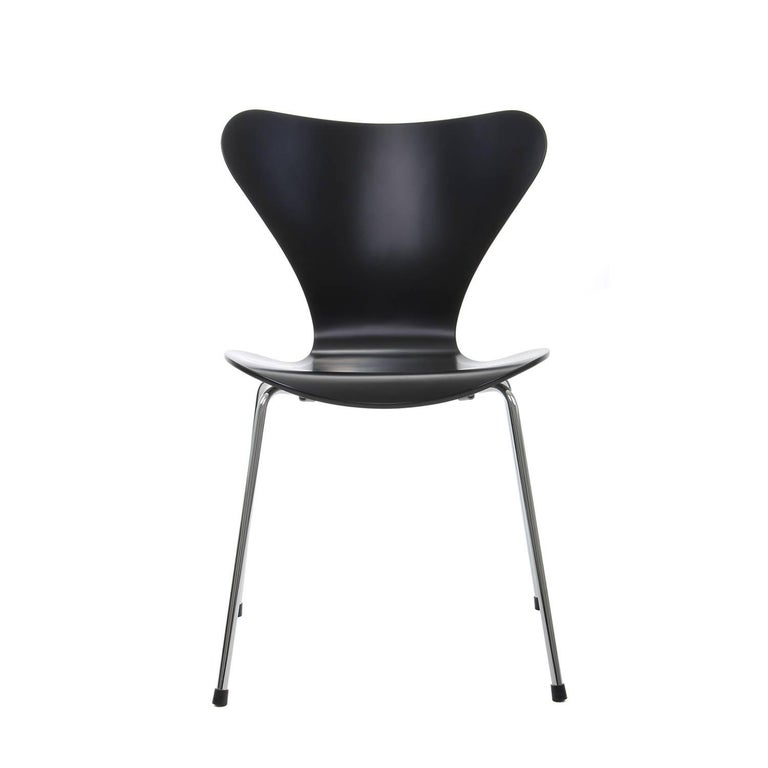 series 7 chair by arne jacobsen for fritz hansen 1955 professionally restored for sale at 1stdibs. Black Bedroom Furniture Sets. Home Design Ideas