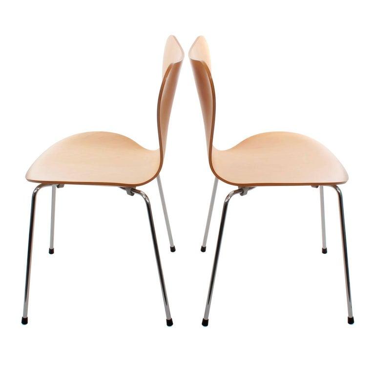 Series 7 chairs by arne jacobsen fritz hansen 1955 for Chaise serie 7 arne jacobsen 1955