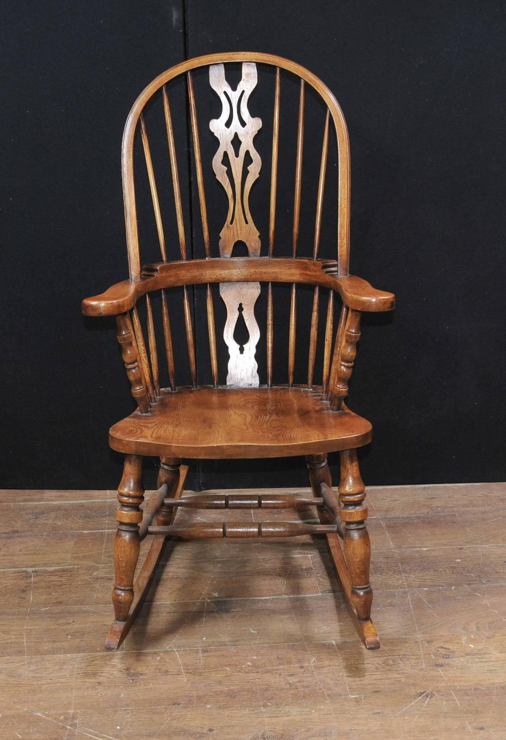 Hand-Carved English Windsor Rocking Chair Farmhouse Chairs For Sale at ...