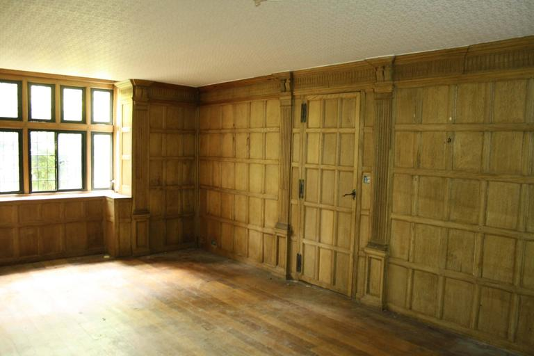 Oak Paneled Rooms : Early th century oak paneled room or paneling for sale