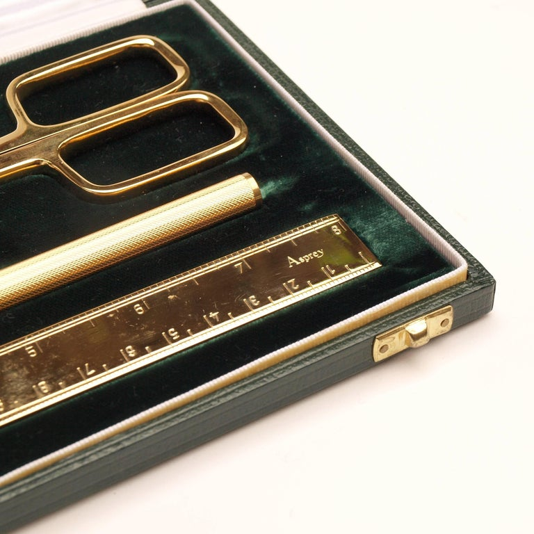 Asprey & Co. 1970s Gold Desk Set In Excellent Condition For Sale In London, GB
