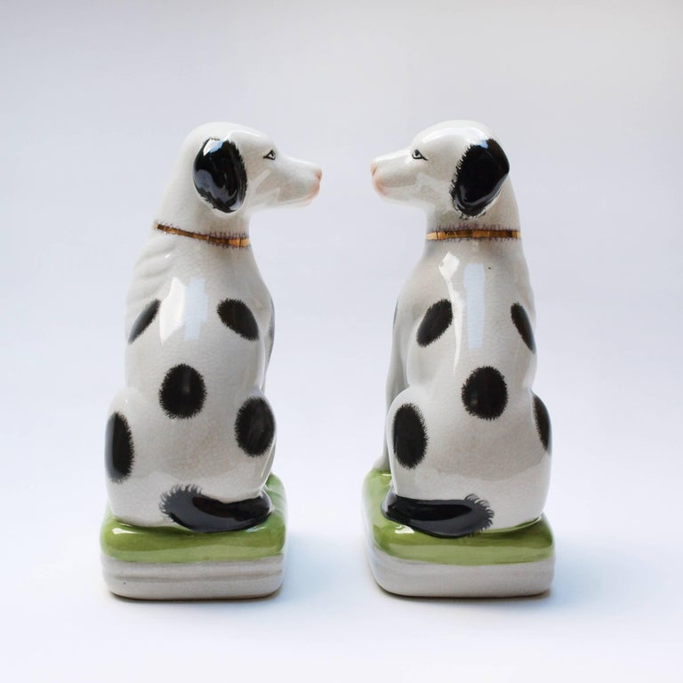 A Pair of English 20th Century Painted Mantle Dog Ornaments For Sale 3