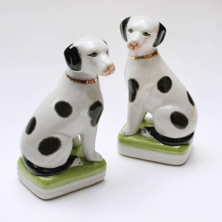 European A Pair of English 20th Century Painted Mantle Dog Ornaments For Sale