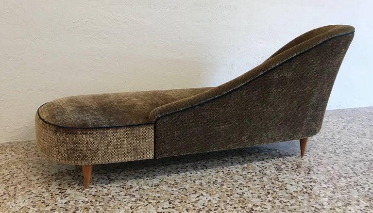 Mid-20th Century Elegant Italian 1950s Chaise Longue For Sale