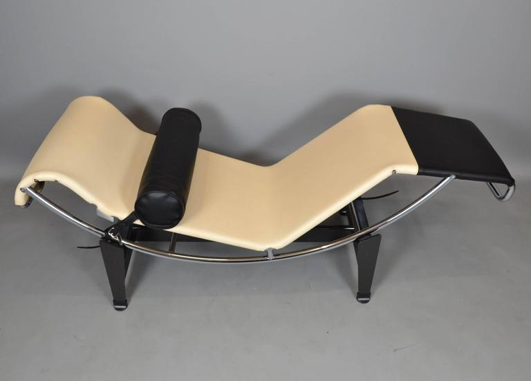 LC4 Chaise Longue Limited Edition by Louis Vuitton and ...