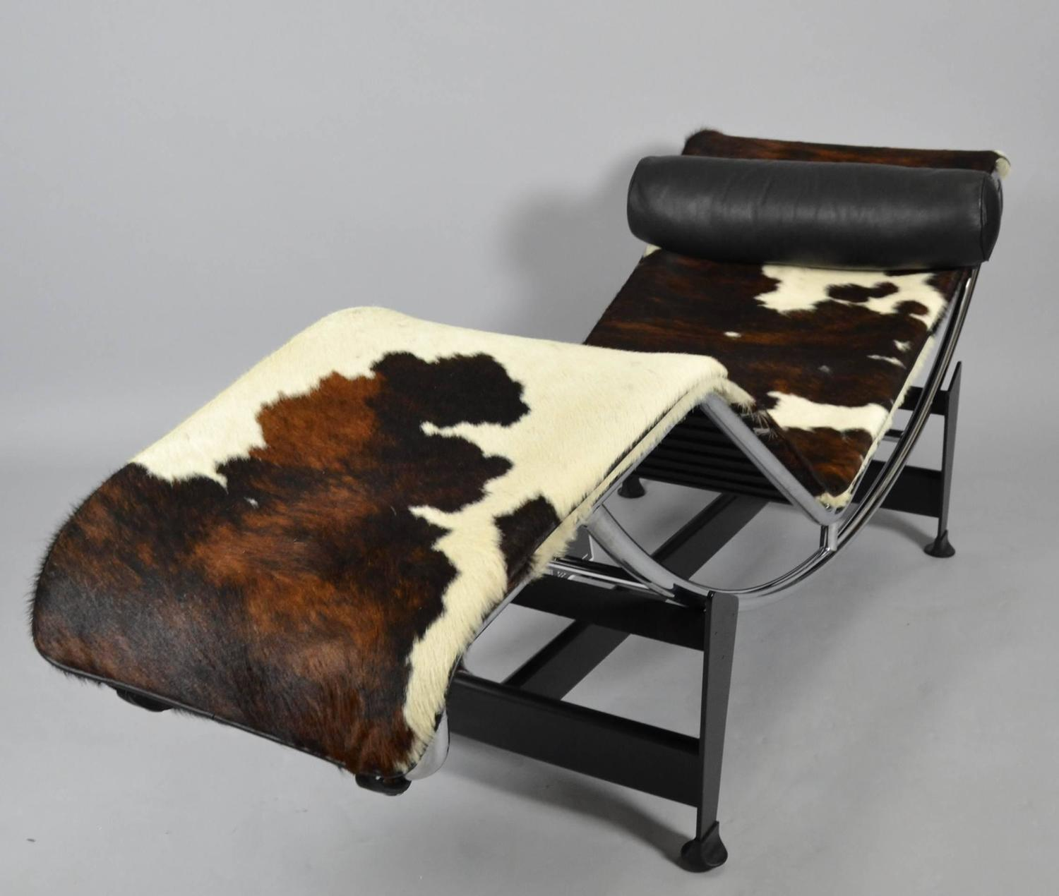 Le corbusier pierre jeanneret and charlotte perriand lc4 for Chaise longue le corbusier vache