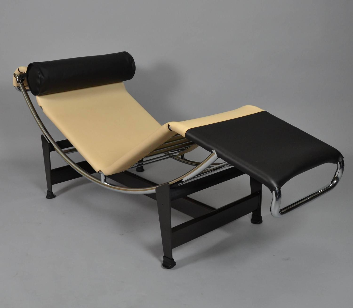 Lc4 chaise longue limited edition by louis vuitton and for Chaise longue lc4