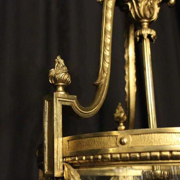 French Bronze Triple-Light Antique Lantern In Excellent Condition For Sale In Chester, GB