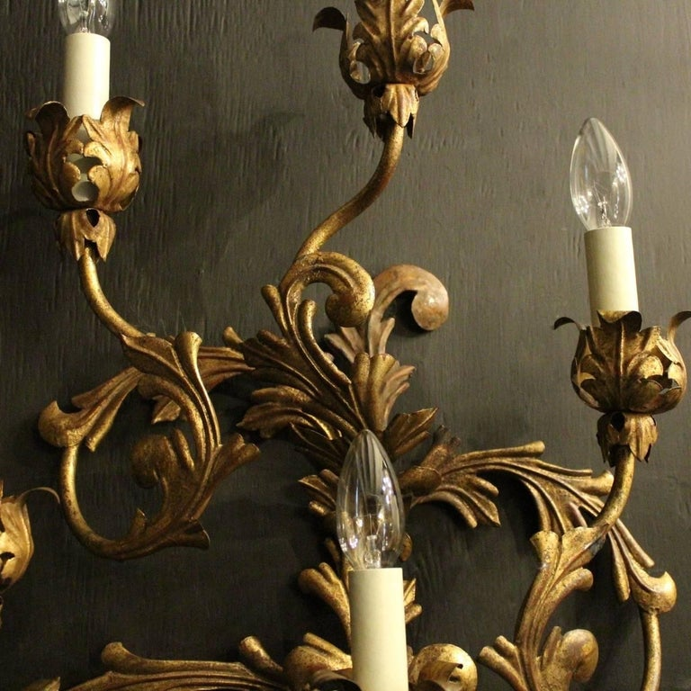 Florentine Large Pair of Gilded Six-Arm Leaf Wall Lights In Good Condition For Sale In Chester, GB