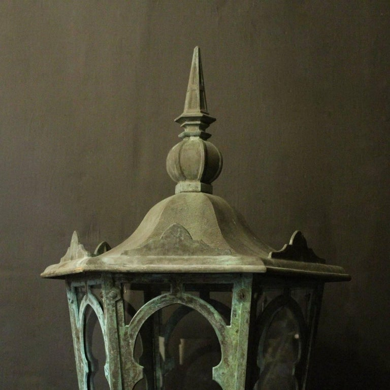 English 19th Century Pair of Large Bronze External Antique Wall Lanterns For Sale 4