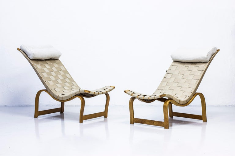 Pair of early lounge chair model