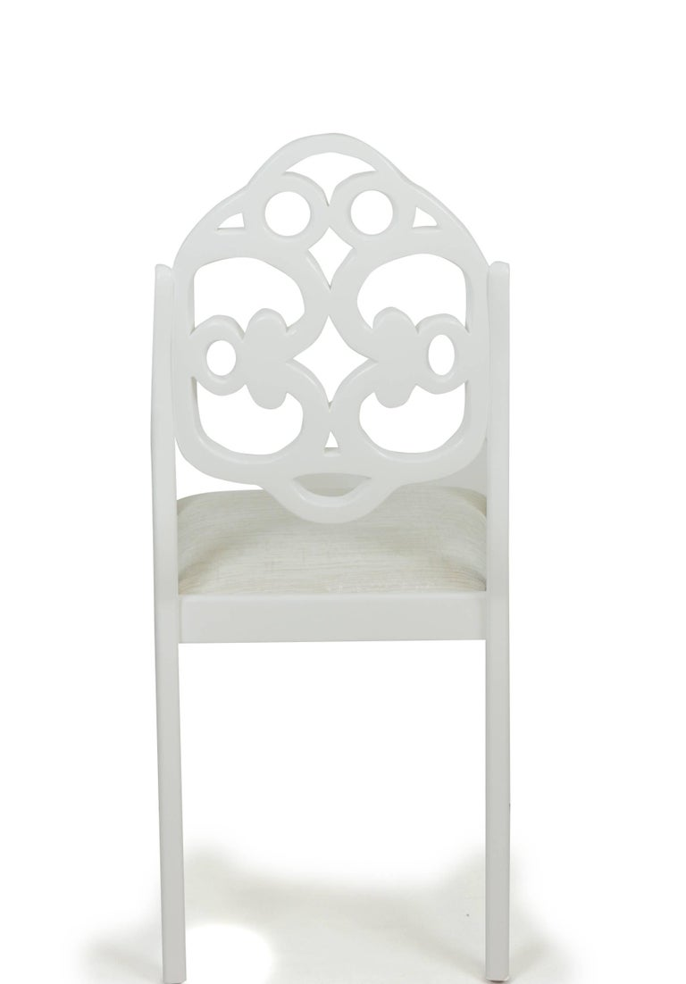 Hand-carved English Regency-inspired American dining chairs In Excellent Condition For Sale In Westport, CT