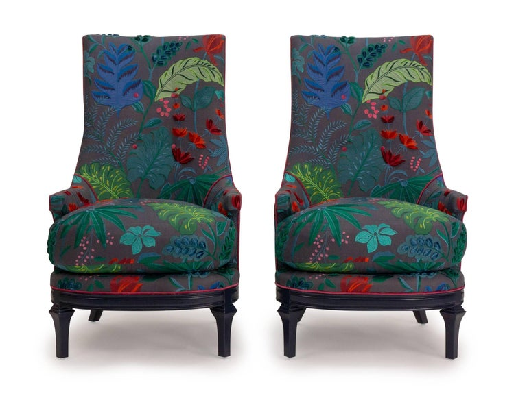 Inspired by classic midcentury style our tea chair has a rounded seat and base and tall back. The chair is shown in Jim Thompson Cubana/Flordita, a vibrant embroidered linen, and the base is finished in Benjamin Moore Deep Royal in high gloss. The