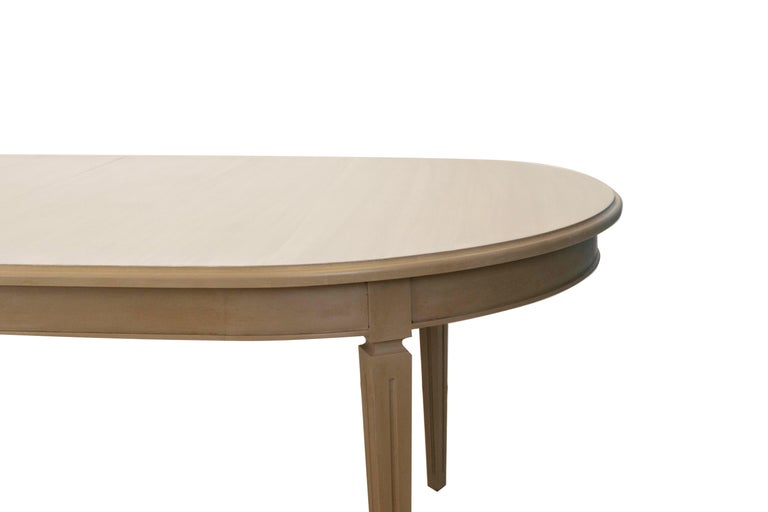 American Oval French-Style Dining Table For Sale
