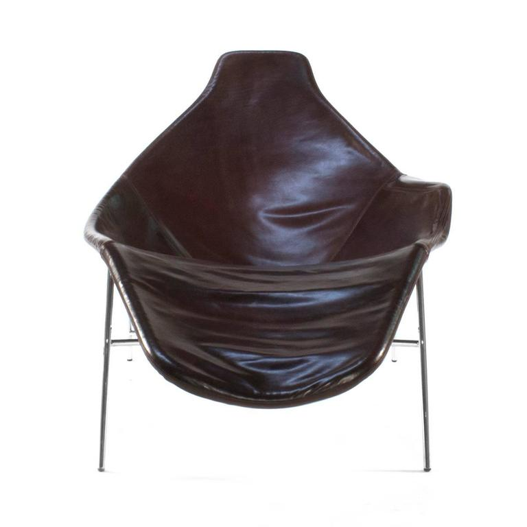 moroso brown leather tia maria asymmetric lounge chair by enrico franzolini for sale at 1stdibs. Black Bedroom Furniture Sets. Home Design Ideas