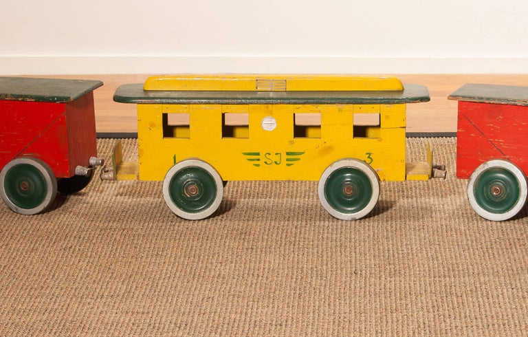 1930s Large Wooden Toy Train, Sweden For Sale 1