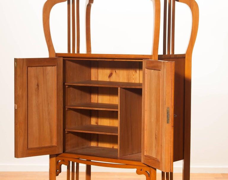 1920s, Elm Art Nouveau Cabinet In Excellent Condition For Sale In Silvolde, Gelderland