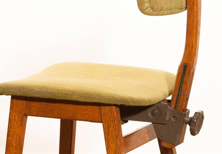 1960s, Teak and Wool Desk Chair by Âtvidabergs Sweden For Sale 4