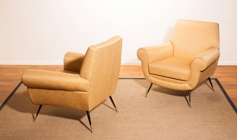 Golden Jacquard Upholstered Easy Chairs by Gigi Radice for Minotti, Brass Legs. In Good Condition For Sale In Silvolde, Gelderland