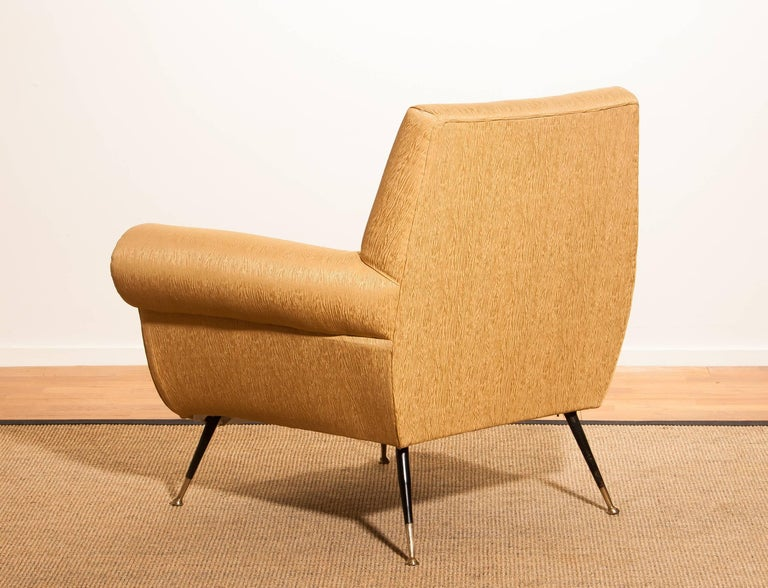 Gigi Radice for Minotti Easy Chair in Gold Colored Jacquard And Slim Brass Legs. In Good Condition For Sale In Silvolde, Gelderland