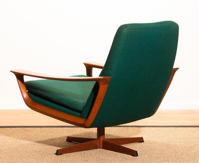 1960s, Teak Swivel Chair by Johannes Andersen for Trensum Denmark In Good Condition For Sale In Silvolde, Gelderland