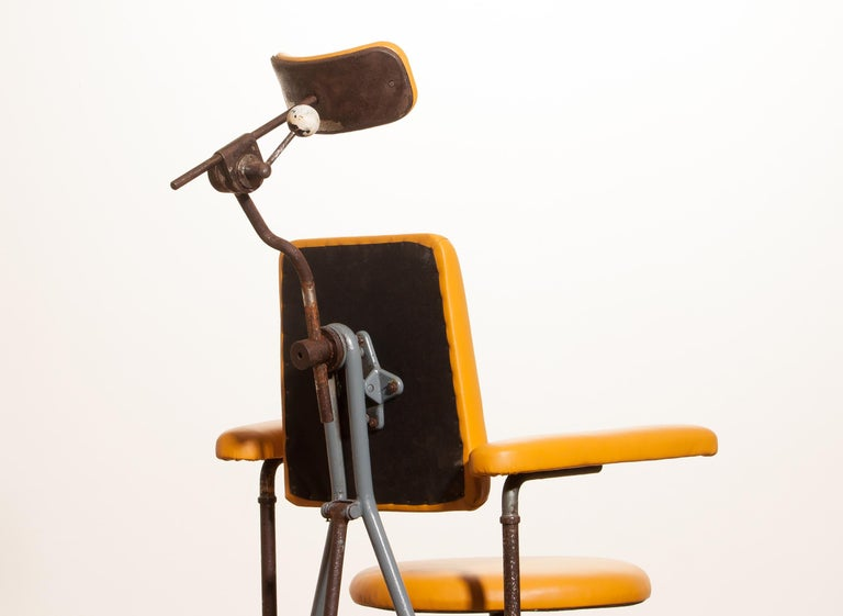 1930s, Steel Medical or Dentist Chair For Sale 2