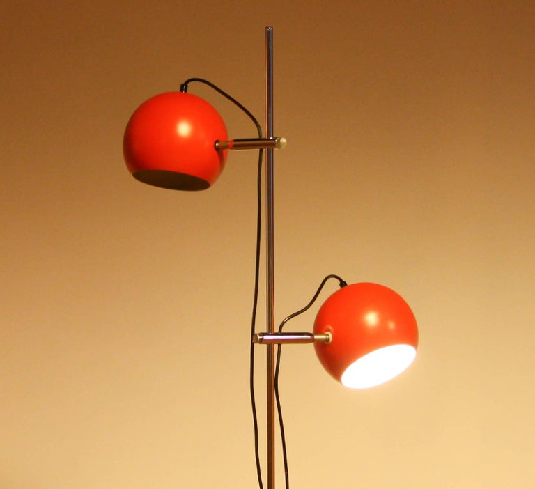 1970s, Two-Light Red Eye-Ball Floor Lamp In Good Condition For Sale In Silvolde, Gelderland