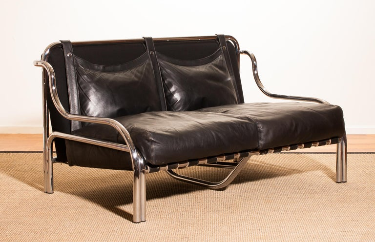 Mid-20th Century 1960s, Leather and Chrome Lounge Sofa by Gae Aulenti for Poltronova For Sale