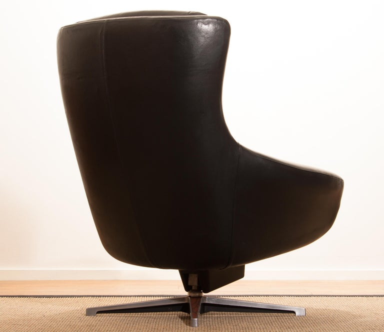 1960s, Leather Black Swivel Rocking Lounge Chair by Lennart Bender For Sale 4