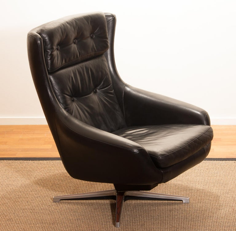 1960s, Leather Black Swivel Rocking Lounge Chair by Lennart Bender For Sale 8