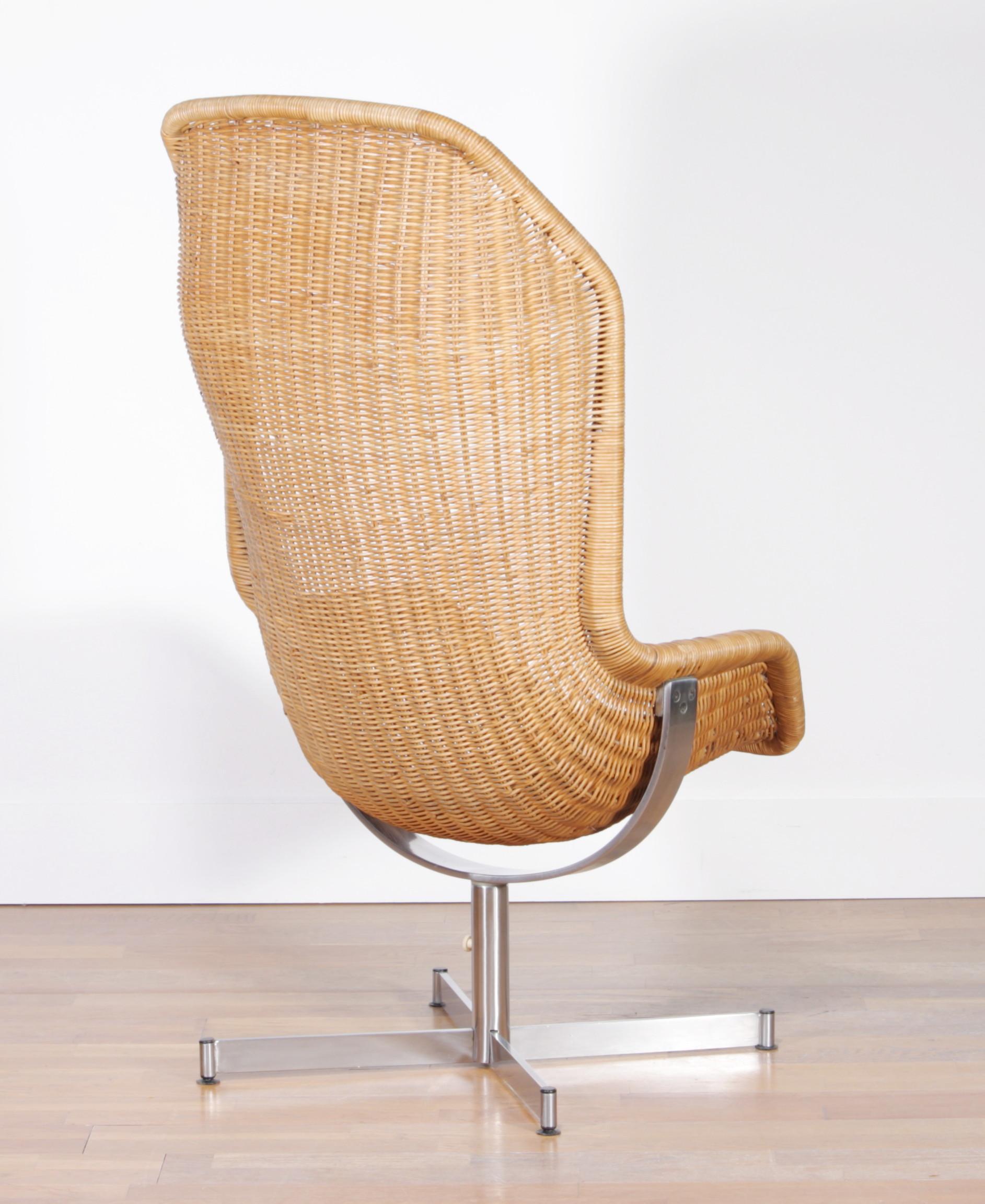 Dutch 1960s, Swivel Rattan Chair By Dirk Van Sliedregt For Gebroeders  Jonkers For Sale