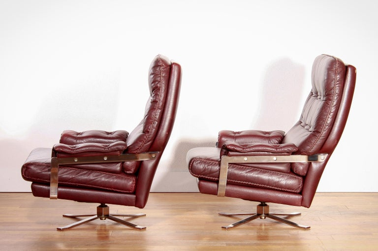 1960s, Chrome and Leather Swivel Lounge Chairs and Ottoman by Arne Norell For Sale 3