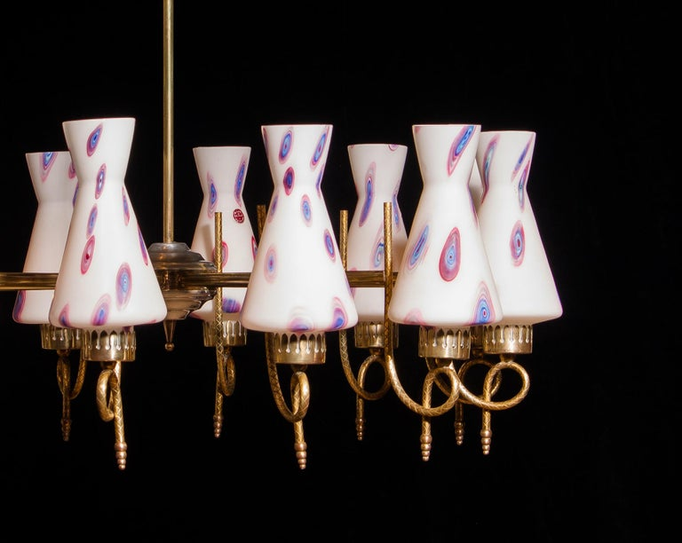 1940s Beautiful Large Brass and Multicolored Murano Venini Glass Chandelier For Sale 3