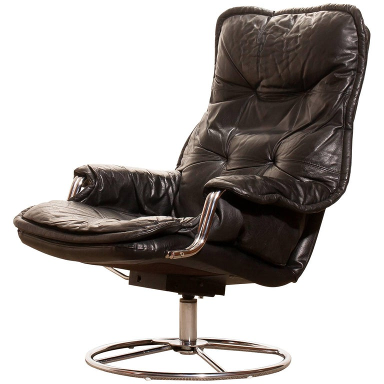 1970s Black Leather Swivel Chrome Steel Lounge Chair, Sweden For Sale