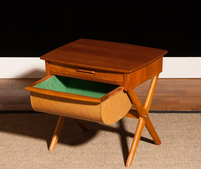 1960s, Teak Sewing, Side Table from Sweden In Excellent Condition For Sale In Silvolde, Gelderland