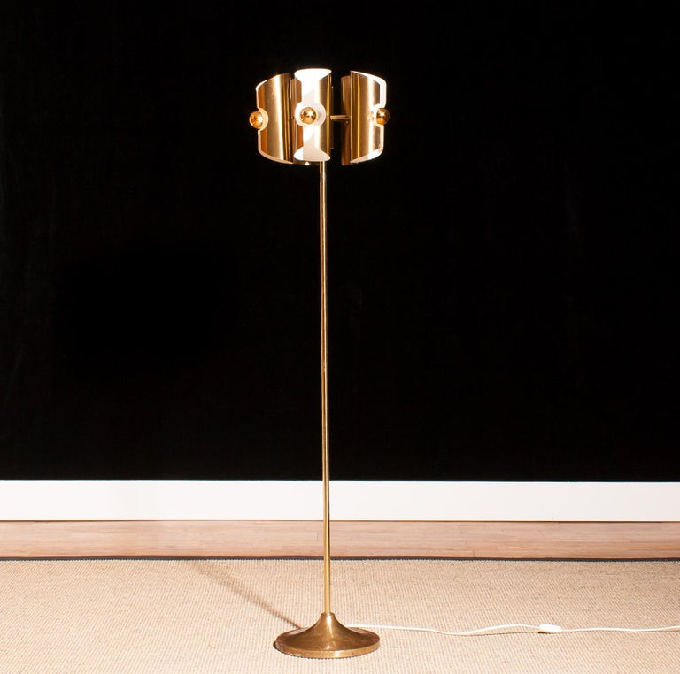 1960 Lovely Italian Brass Floor Lamp with Five Brushed Brass Shades For Sale 2