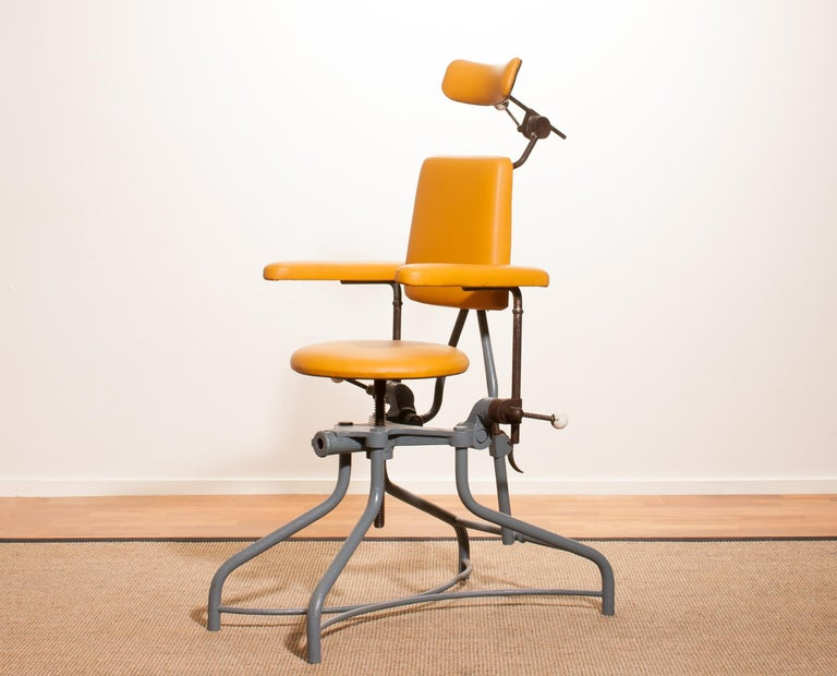 Very nice medical or dentist chair.