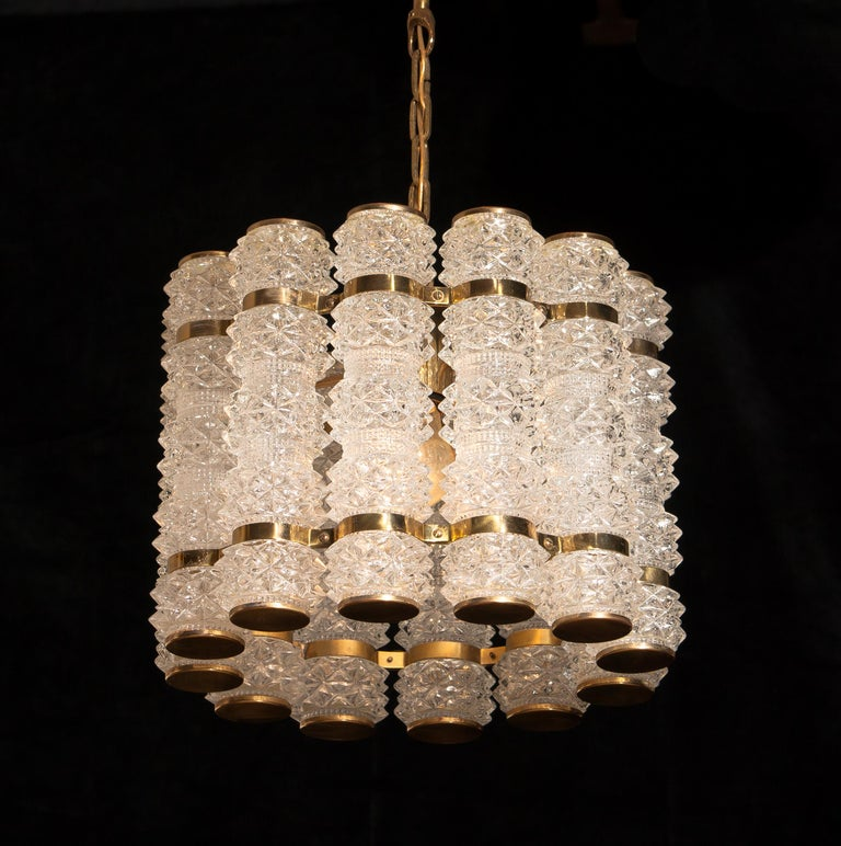 1960s, Brass and Crystal Cylinder Chandelier by Tyringe for Orrefors, Sweden In Excellent Condition For Sale In Silvolde, Gelderland