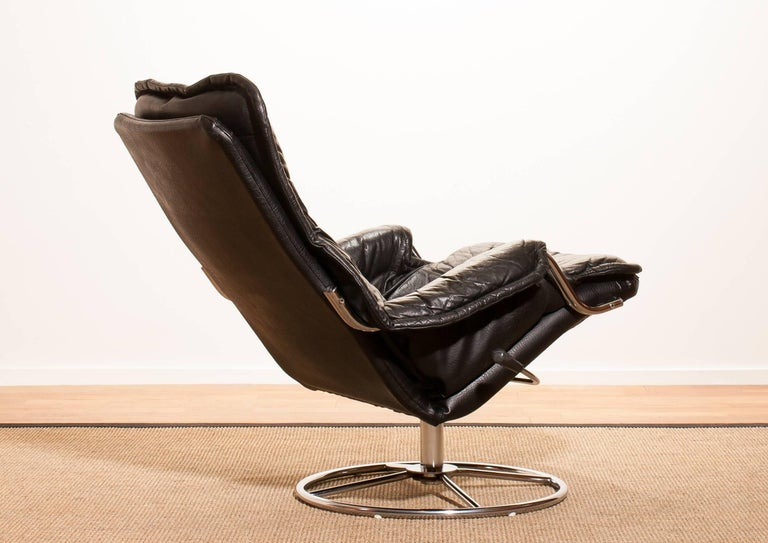 1970s Black Leather Swivel Chrome Steel Lounge Chair, Sweden 1